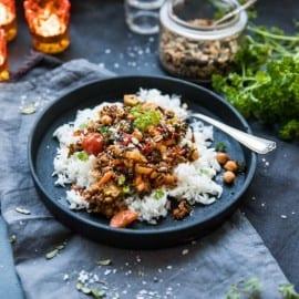 Mustig vegogryta med vegetarisk färs