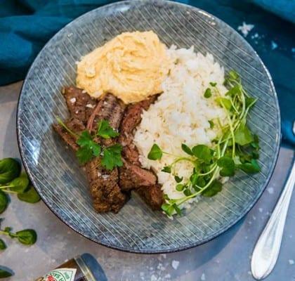 Flankstek med ris och gräslökshummus