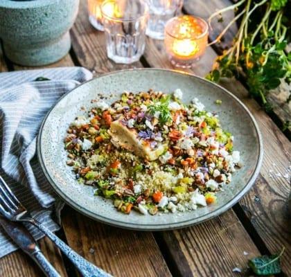 Grillad halloumi med couscous-sallad och mandel