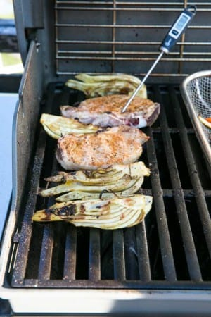 Fänkål och fläskkotletter på grill