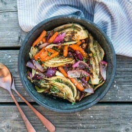 Grillade morötter, fänkål och lök