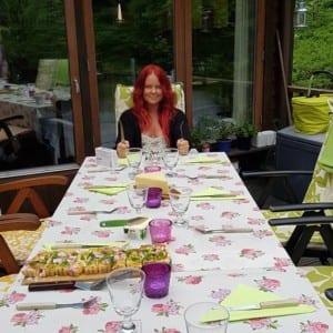 Madeleine Landley väntar på maten