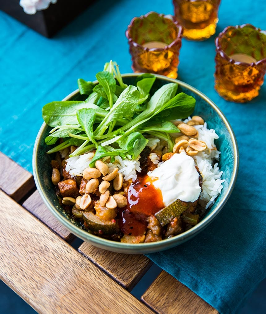 Currygryta med picnicbog, blomkål, aubergine och zucchini