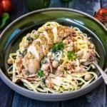 Krämig pasta med kyckling, citron och basilika