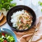 Krämig korv- och kycklingpanna med svartkål och ris