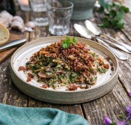 Krämig höstgryta med högrev, grönkål, svamp och isterband