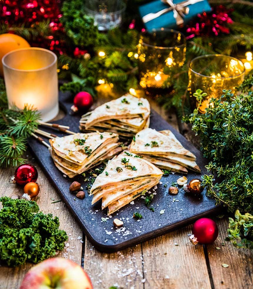Julquesadillas med skinka och grönkål