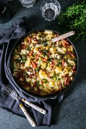 Blomkåls- och broccoligratäng med pasta, jalapeños och ansjovis