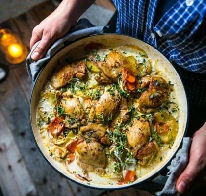 Kycklinggryta i ugn med potatismynt och morötter
