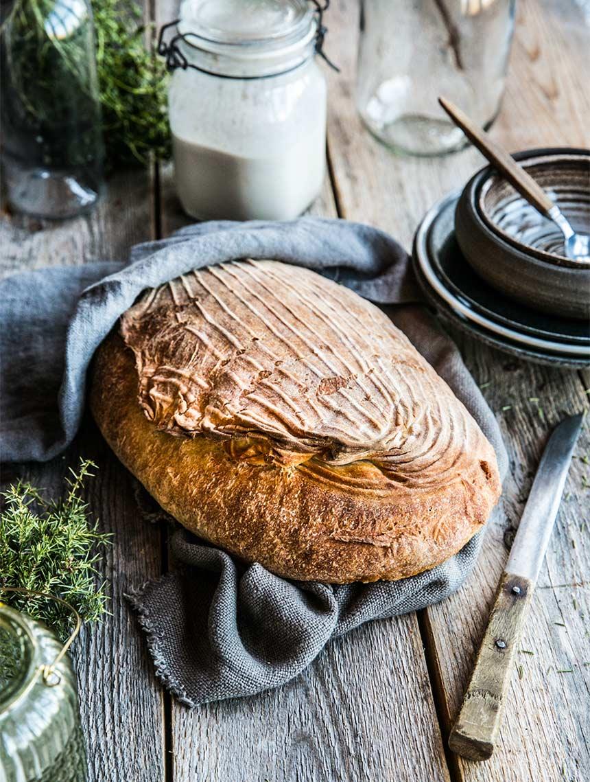 Recept på surdeg + Galet gott surdegsbröd