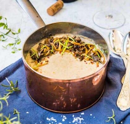 Krämig svampsoppa med potatis och créme fraiche