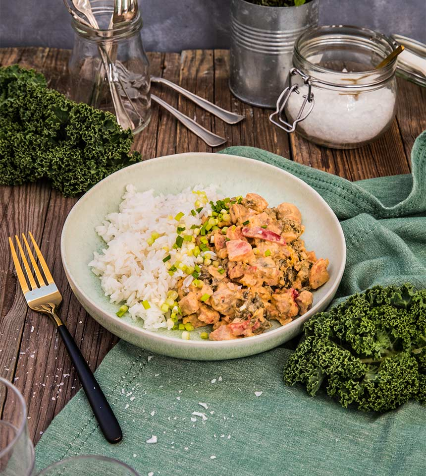 Krämig vegopanna med grönkål, linser, champinjoner och crème fraiche