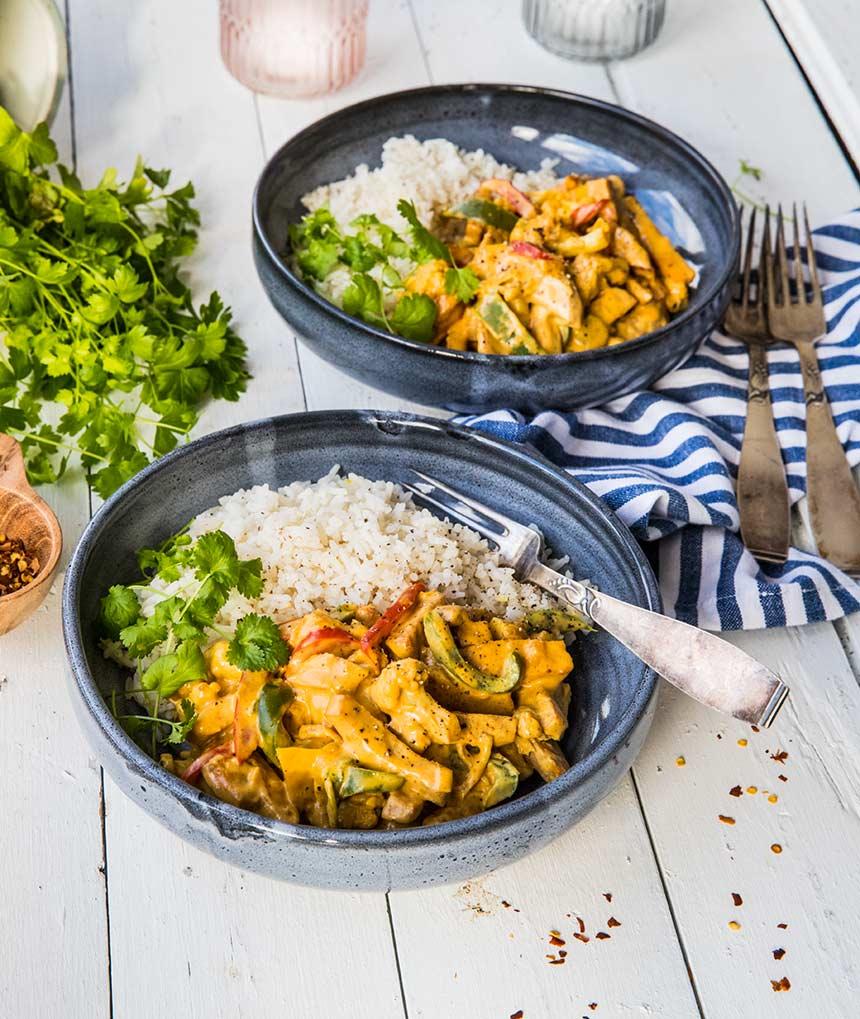 Krämig currypanna med falukorv och blomkål
