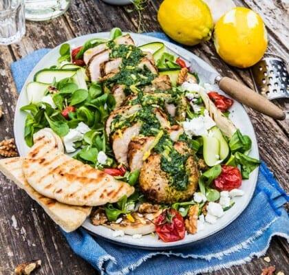 Grillad kyckling med fetaostsallad och ramslökspesto