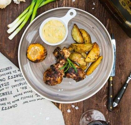 Grillade chicken drum sticks med bearnaise och potatisklyftor